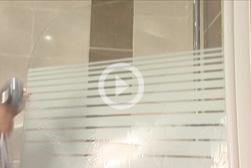 Quel produit utiliser pour nettoyer et éliminer le calcaire de mes sanitaires?